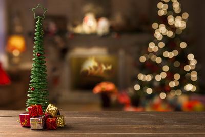 kleine weihnachtsgeschenke baum